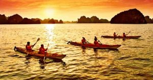 kayaking-halong-bay